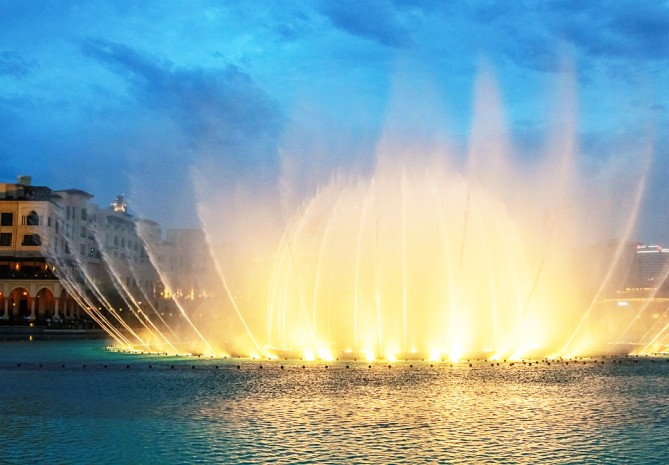 Dubai Foutain - Fountain Show In Dubai
